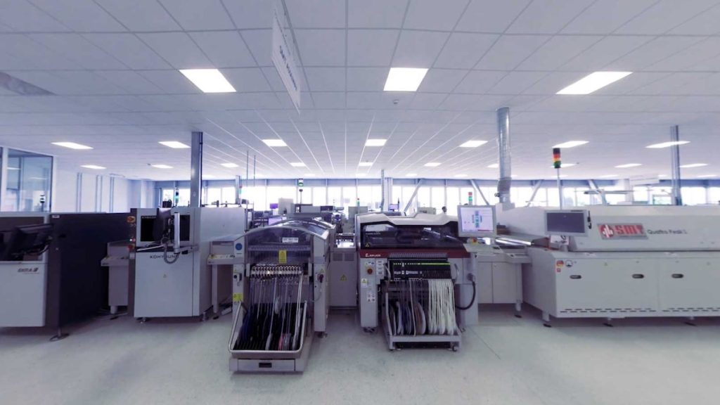 pick & place machine in smart manufacturing
